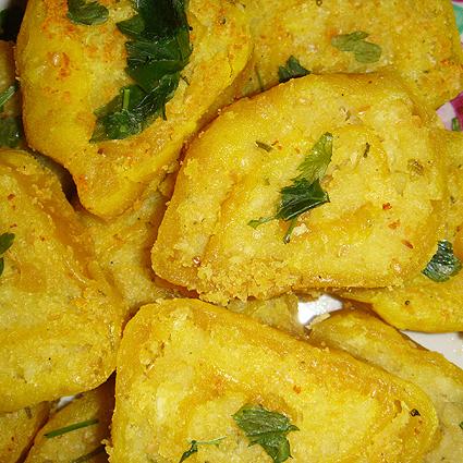 Жареные картофельные рулеты (Алу-патра)