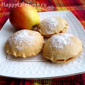 песочное пирожное с яблоком